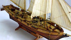modelo barco de madera